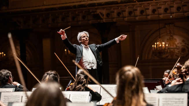 Hartmut Haenchen dirigeert Bruckners Symfonie nr. 8