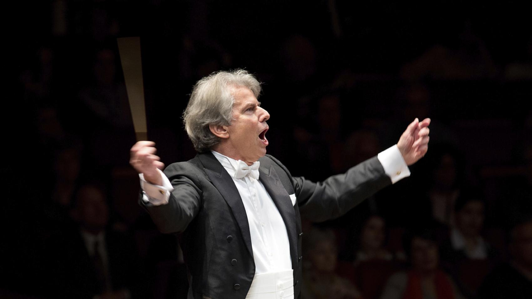 Hartmut Haenchen dirigeert Bruckner 8