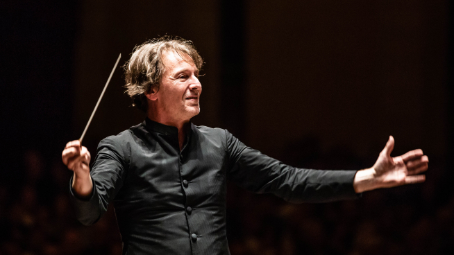 Marc Albrecht conducts Shostakovich' Symphony no. 1
