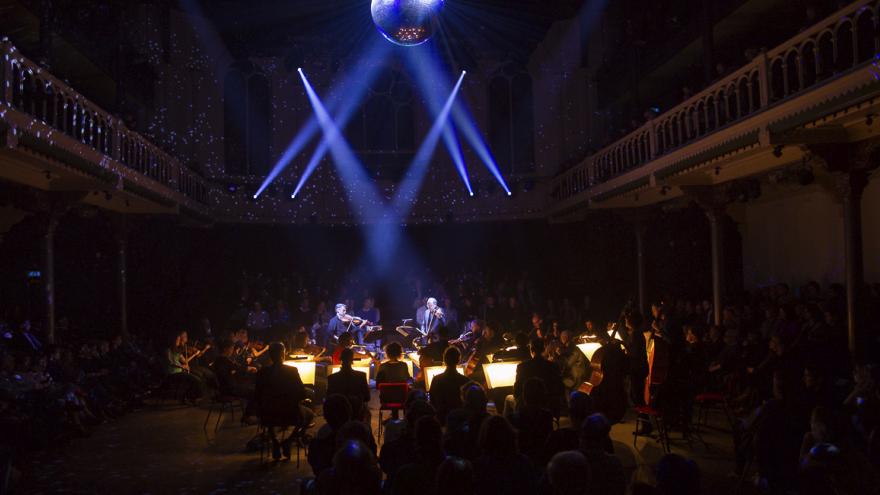 Nederlands Kamerorkest met Circuit des Yeux op Le Guess Who?