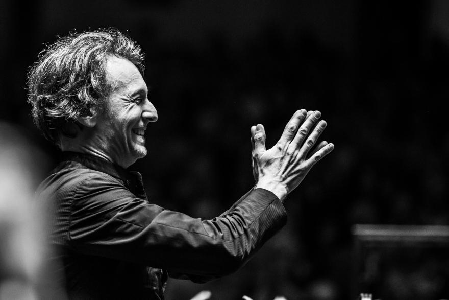Dirigent Marc Albrecht is de winnaar van Prix d'Amis 2020